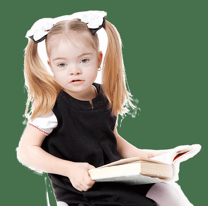 ילדה עם צרכים מיוחדים מחזיקה ספר